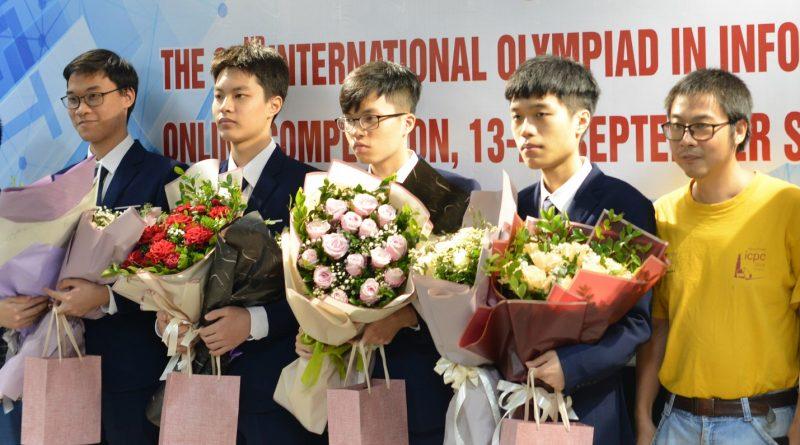 """""""Chàng trai Vàng"""" Olympic Tin học Quốc tế 2020 lựa chọn học tập tại Trường Đại học Công nghệ, ĐHQGHN"""